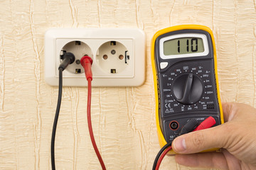 Metering voltage with digital multimeter