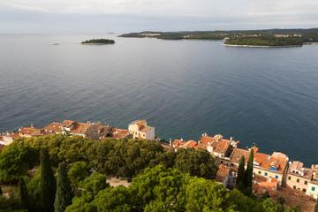 Vue sur la ville de Rovinj et les îles