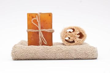 Sapone, asciugamano e spugna