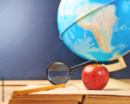 Studying geography composition - 71153783
