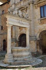 Antico pozzo in Montepulciano, Siena
