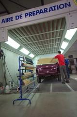 atelier de carrosserie - préparation de véhicule