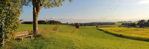 canvas print picture ländliche Gegend mit Aussichtsbank