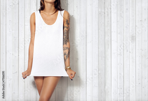 canvas print picture Woman wearing blank sleeveless t-shirt