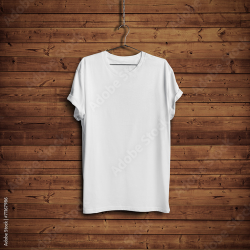 White t-shirt on wood wall - 71167986