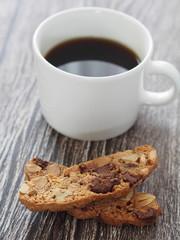 コーヒーとビスコッティ