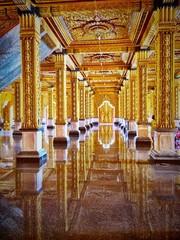 The gold Vihara at Tha Sung temple ,Thailand