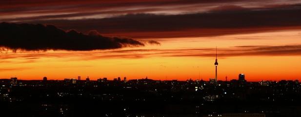 Skyline - Sonnenuntergang über Berlin