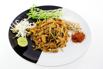 Thai Dish : Pad Thai with dried shrimp, yellow tofu, organic sno