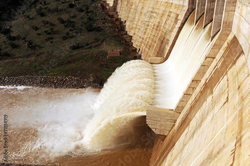 Montoro reservoir, Ciudad Real province, Spain - 71184919