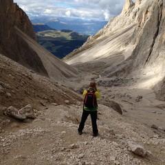 Bergsteiger am Langkofel, Südtirol, Sellajoch, Italien