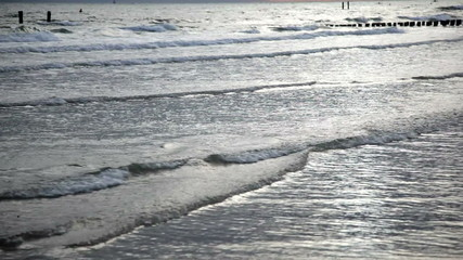 waves at the beach in 1080p