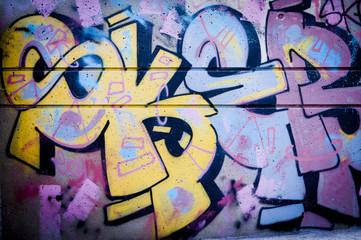 Mur de graffiti lettrage couleurs vives