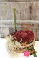 Herbstschätze bei Kerzenschein