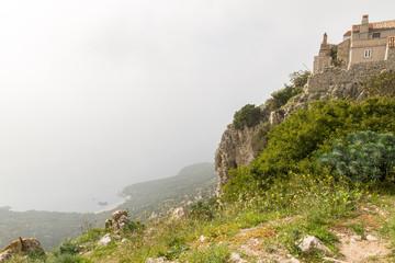Village perché de Lubenice, sur la falaise