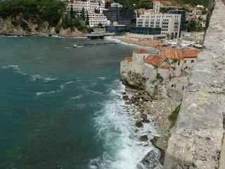 Море и Будванская крепость