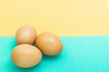 Eggs on sponge
