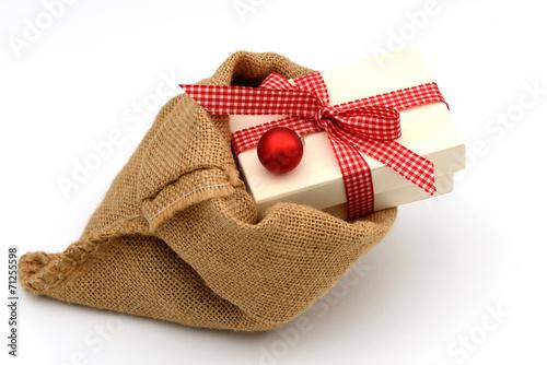 Weihnachtsgeschenke Sack.Gamesageddon Weihnachtsgeschenk Im Sack Lizenzfreie Fotos