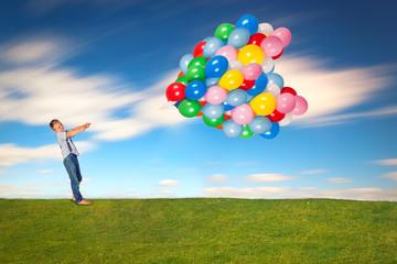 Luftballons halten im Wind