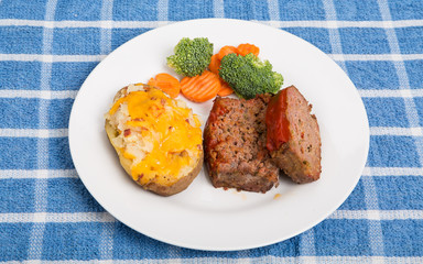 Home Made Meatloaf with Potato and Vegetables