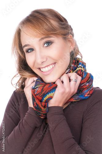 canvas print picture Attraktives Mädchen mit Schal lächelnd