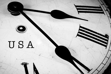 USA black and white clock
