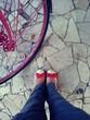 canvas print picture - Scarpe con bici rosa