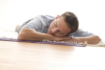 Mann macht power nap