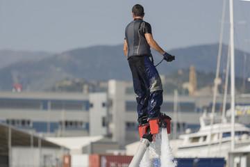 Flyboard nel porto di Genova