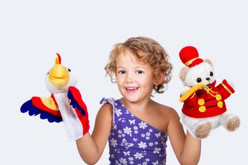 Bambina con marionette
