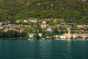 Villa's and nice houses in Laglio along the shore of Lake Como