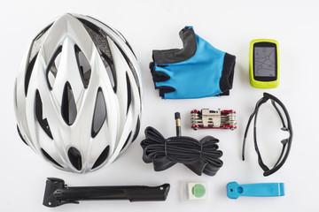 Protección seguridad GPS ciclismo casco guantes gafas