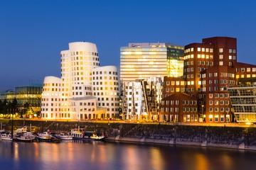 Medienhafen bei Nacht  - Düsseldorf