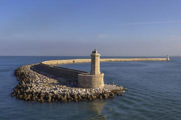 Faro del molo di Livorno