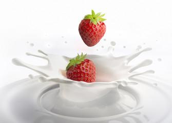 2 Erdbeeren und Milch