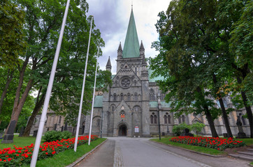 City park in front on Trondheim cathedral