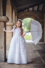 nina con paraguas