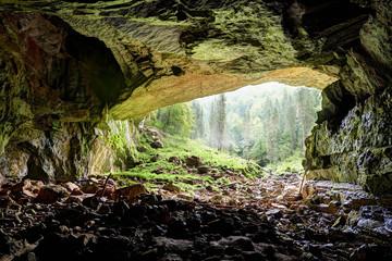 Coiba Mare cave in Romania, entrance