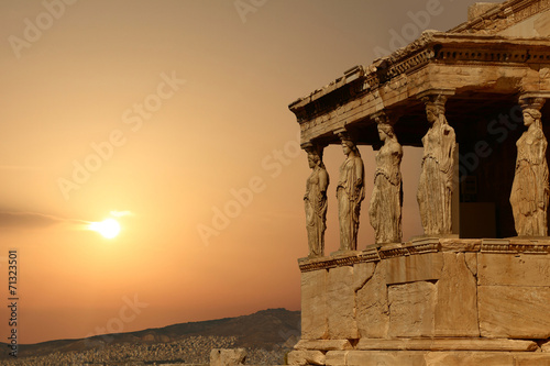 Staande foto Athene Caryatids on the Athenian Acropolis at sunset, Greece