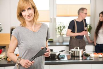 Gruppe in der Küche