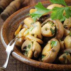 Sauteed champignon mushrooms