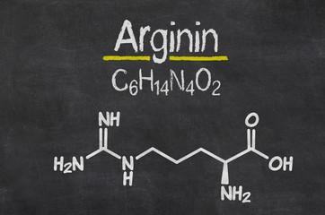 Schiefertafel mit der chemischen Formel von Arginin