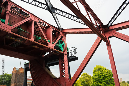 canvas print picture Stahlkonstruktion einer Hebebrücke in London