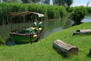 rivalta imbarcazioni per trasporto turisti valli del mincio