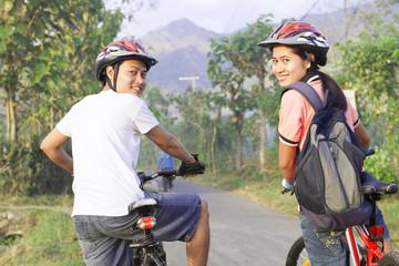 Couple cyclist