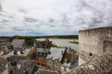De la tour du château d'Amboise: vue sur la ville et la Loire.