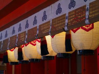 神殿の提灯