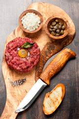 Beef tartar with capers and fresh onions