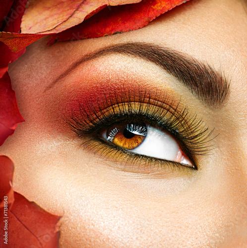 Leinwandbild Motiv Autumn make up for brown eyes. Closeup fashion makeup