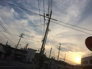 夕暮れと電線